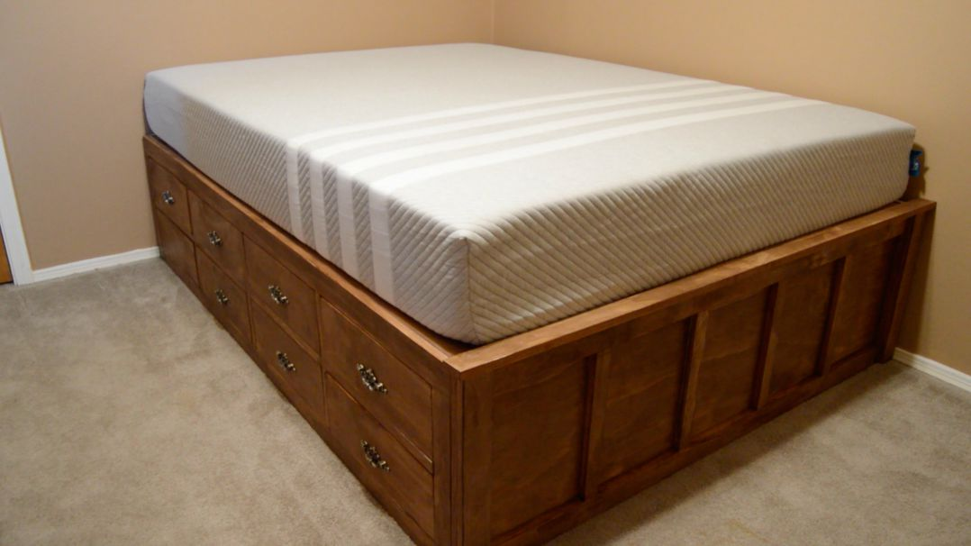 Image of: Queen Bed Drawers