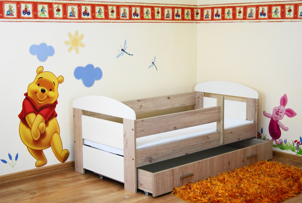 Picture of: Royal Oak Wood Toddler Bed And Drawers