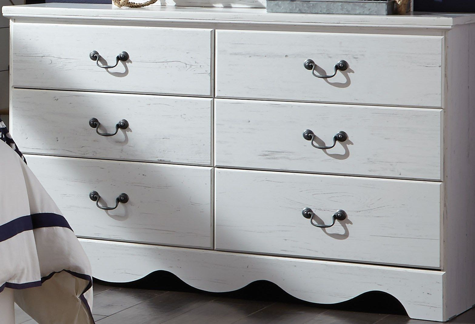 Picture of: Rustic White 6 Drawers Chest Repaint