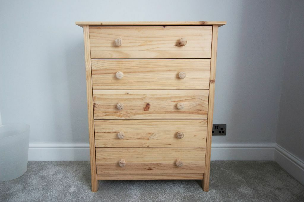 Scandinavia Solid Pine Chest Of 5 Drawers