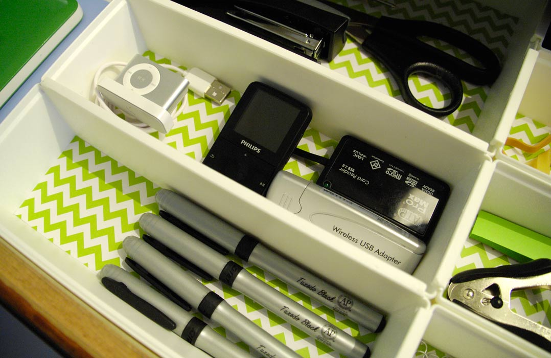 Picture of: Simple Office Desk Drawer Organizer