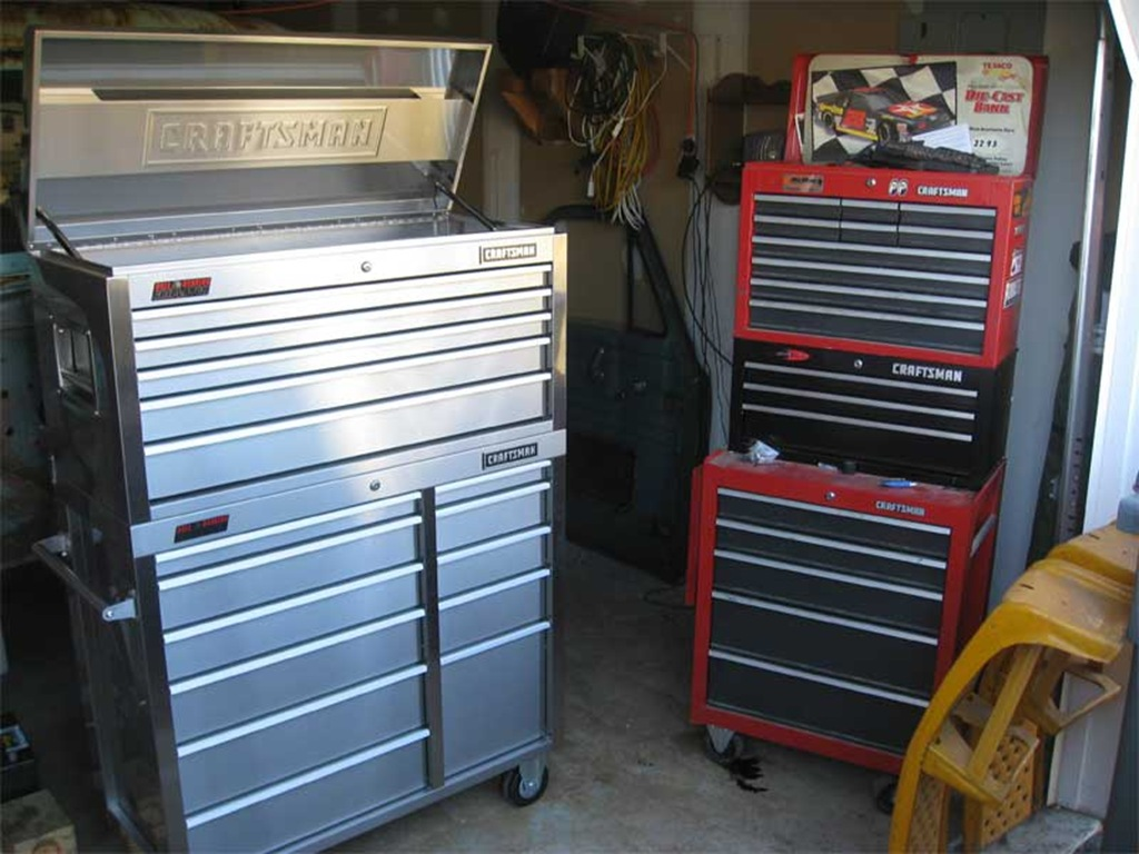 Picture of: Stainless Craftsman 10 Drawer Tool Chest