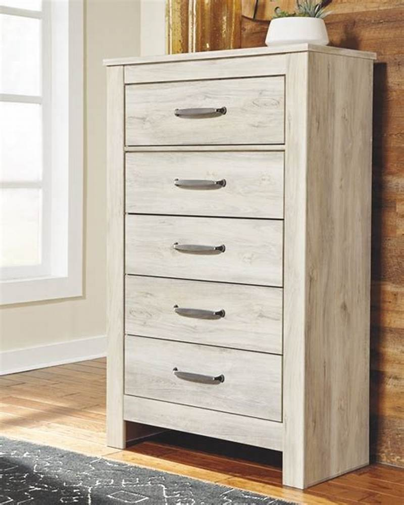 Image of: Tall Drawer Chest