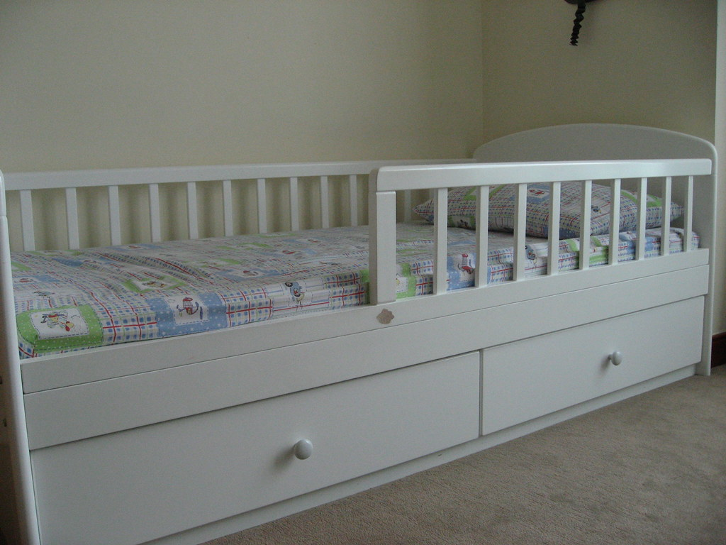 Picture of: Toddler Bed With Drawer Large Size