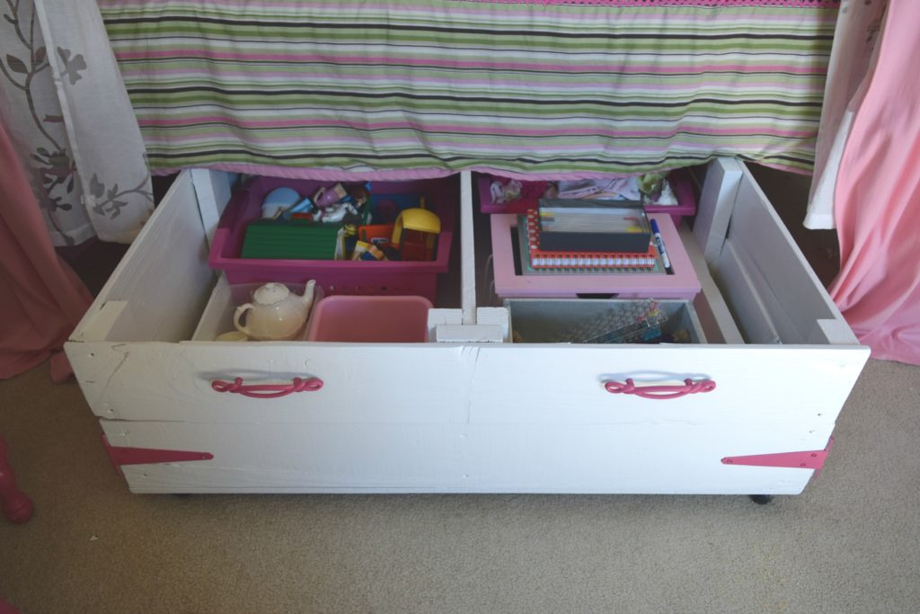 Image of: Under Bed Toy Storage DIY