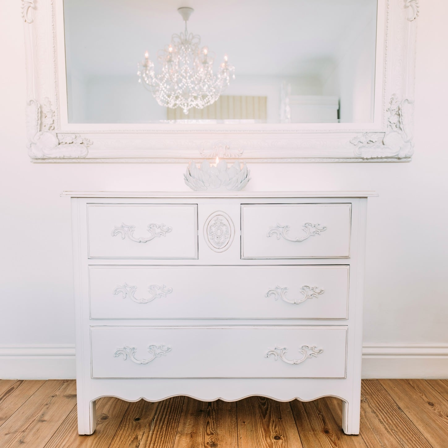 Image of: Unique White Drawer Chest