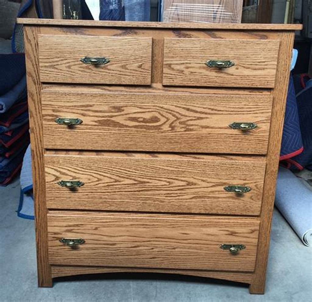 Picture of: Vintage 5 Drawer Chest of Drawers